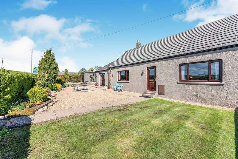 3 Bedrooms Semi Detached Bungalow for sale in 4 Easthill Cottages, Laurencekirk, Kincardineshire, AB30