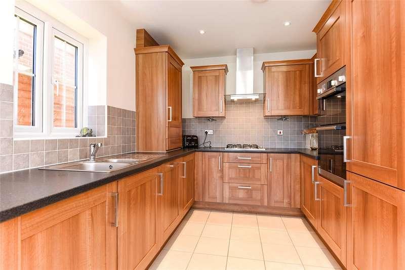 3 Bedrooms Semi Detached House for rent in Blackberry Gardens, Wokingham, Berkshire, RG41