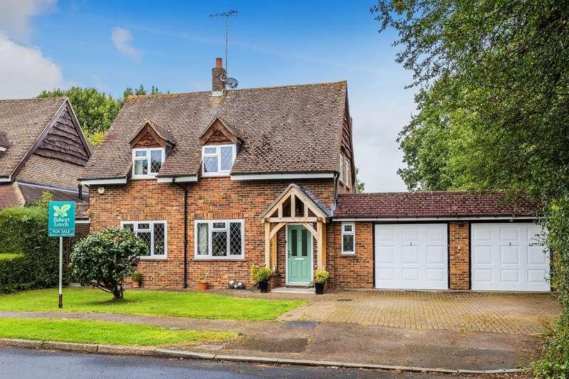 3 Bedrooms Detached House for sale in Lagham Park, Godstone, Surrey.