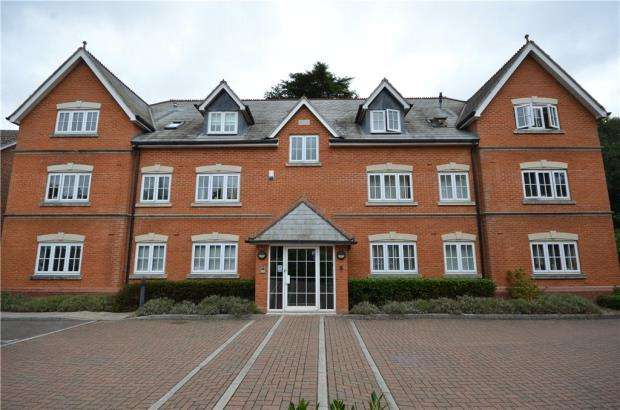2 Bedrooms Apartment Flat for sale in Jays Court, Sunninghill Road, Sunninghill