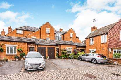 4 Bedrooms Terraced House for sale in Romsey, Hampshire, England