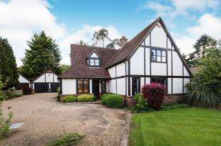 4 Bedrooms Detached House for sale in Kingsingfield Road, West Kingsdown, Sevenoaks, Kent