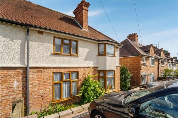 3 Bedrooms Semi Detached House for sale in Suffield Road, High Wycombe, Buckinghamshire