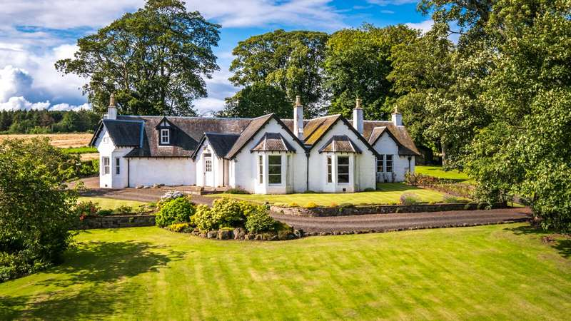 5 Bedrooms Detached House for sale in Blacketyside House, By Leven, Fife, KY8
