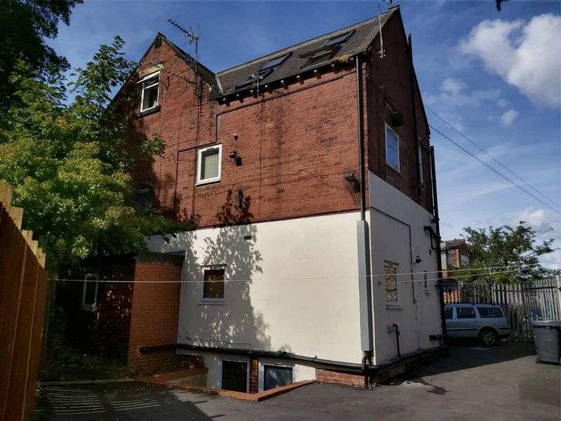 8 Bedrooms Property for sale in Meanwood Road, Leeds