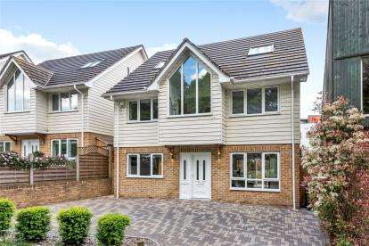 4 Bedrooms Detached House for sale in Willow Walk, Locksbottom, Kent