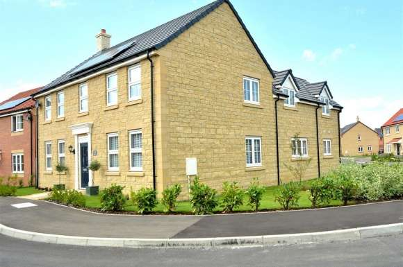5 Bedrooms Property for sale in Woburn Drive, Thorney, Peterborough