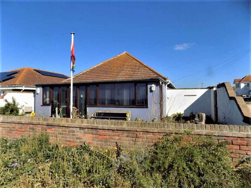 3 Bedrooms Bungalow for sale in The Promenade, Peacehaven