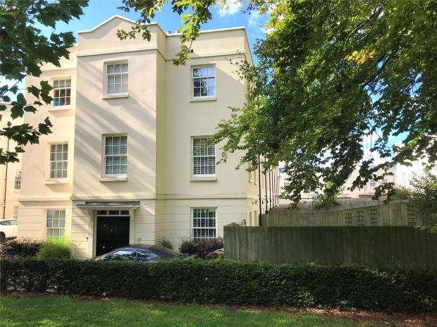 4 Bedrooms End Of Terrace House for sale in Mizzen Road, Plymouth, Devon