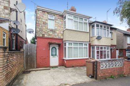 3 Bedrooms Semi Detached House for sale in Stratford Road, Luton, Bedfordshire, England