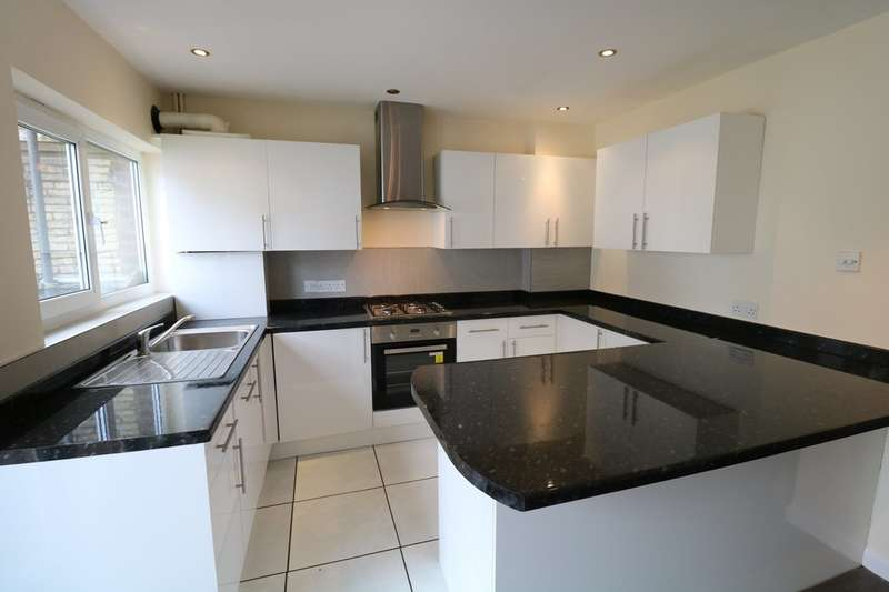3 Bedrooms Semi Detached House for rent in Markfield, Court Wood Lane