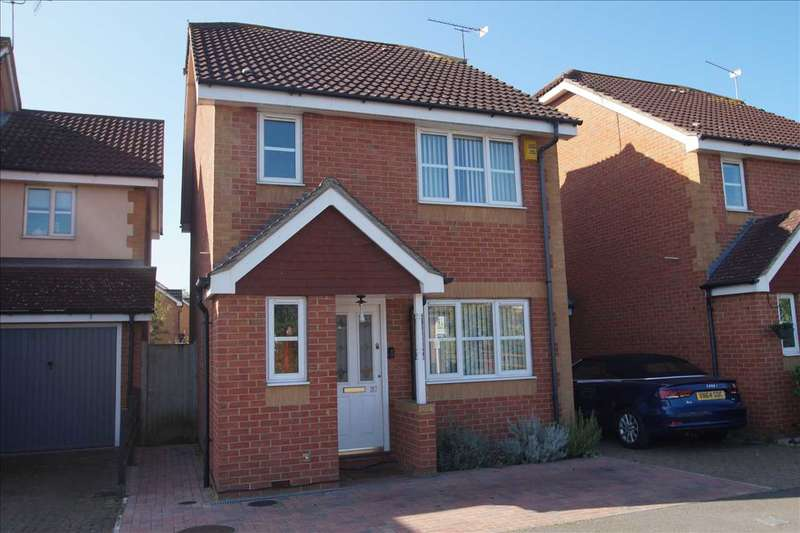 3 Bedrooms Link Detached House for sale in Hunters Way, Cippenham