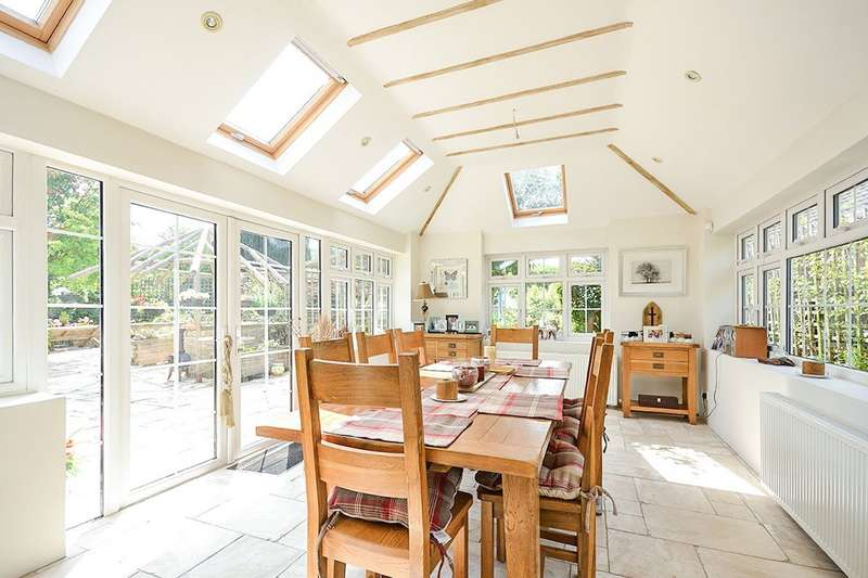 3 Bedrooms Detached Bungalow for sale in Charlesford Avenue, Kingswood, Maidstone, Kent, ME17