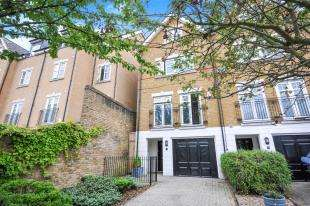 5 Bedrooms End Of Terrace House for sale in Avondale Road, South Croydon, Surrey, England