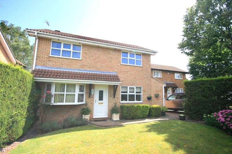 3 Bedrooms Detached House for sale in Five Acres Fold, Danefield, Northampton, NN4