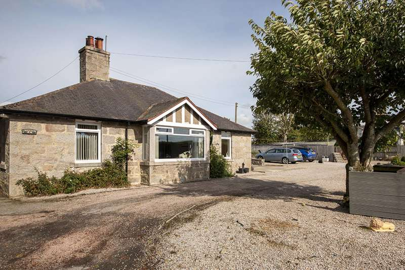 4 Bedrooms Bungalow for sale in Whitefield, Oldmeldrum, Inverurie, Aberdeenshire, AB51 0DX