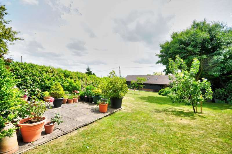 3 Bedrooms Barn Conversion Character Property for sale in Radnage Village - Breathtaking Views!!