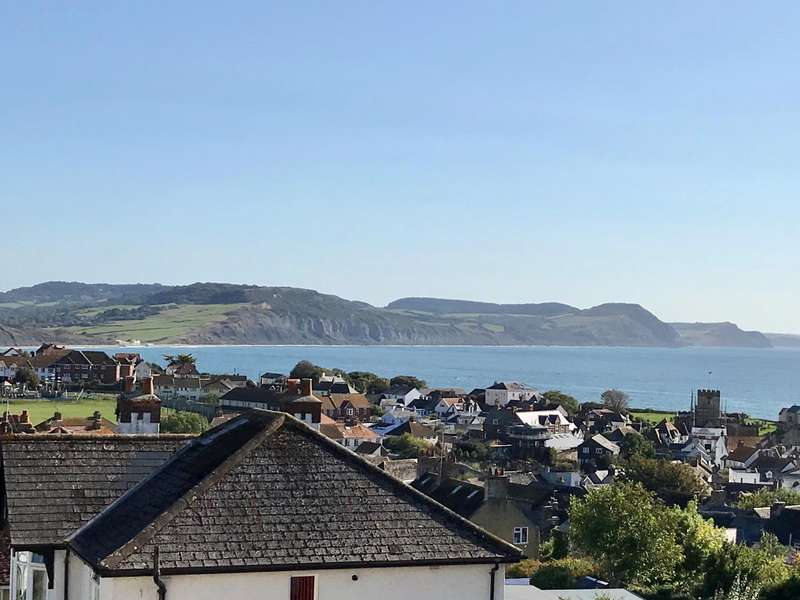 2 Bedrooms Flat for sale in Hill Road, Lyme Regis