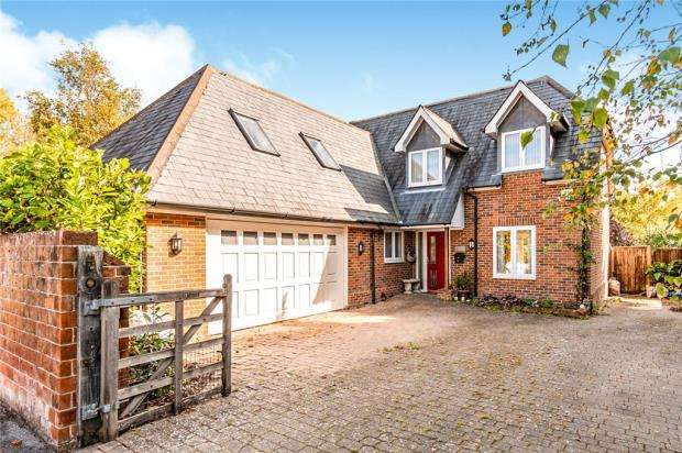 4 Bedrooms Detached House for sale in Convent Lane, Emsworth, Hampshire
