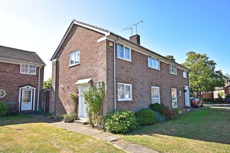 3 Bedrooms Semi Detached House for sale in Hillside, Welwyn Garden City, AL7