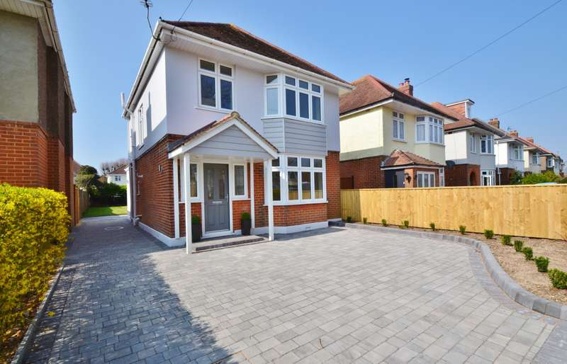 4 Bedrooms Detached House for sale in Ensbury Park