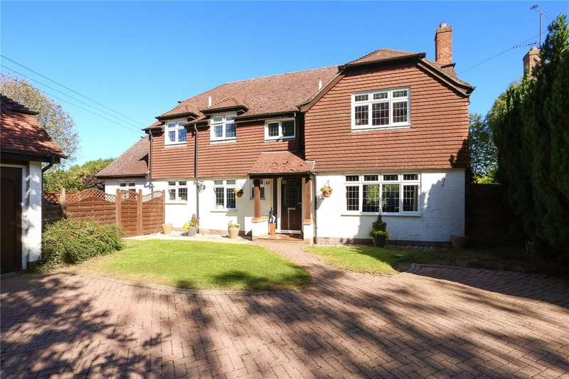 4 Bedrooms Detached House for sale in Lees Hill, South Warnborough, Hook, Hampshire, RG29