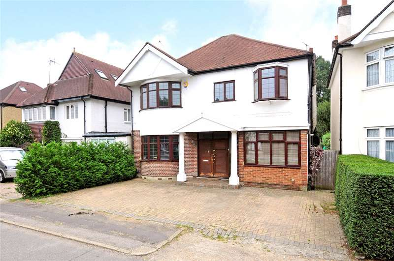 4 Bedrooms Detached House for sale in Hampton Court Way, Thames Ditton, Surrey, KT7