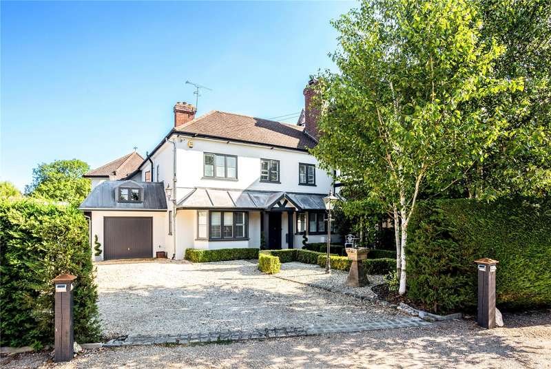 4 Bedrooms Semi Detached House for sale in The Willows, Windsor, Berkshire, SL4