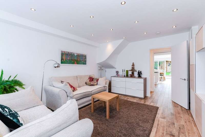 4 Bedrooms Terraced House for sale in High Beech Road, Loughton, Essex, IG10