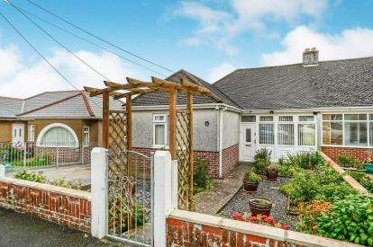 2 Bedrooms Bungalow for sale in Plymouth, Devon