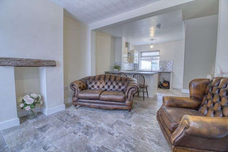 3 Bedrooms Property for sale in Eastgate, Hessle
