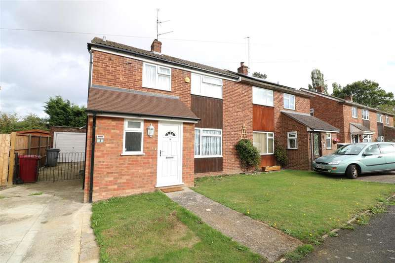 3 Bedrooms Semi Detached House for sale in Walmer Close, Tilehurst, Reading