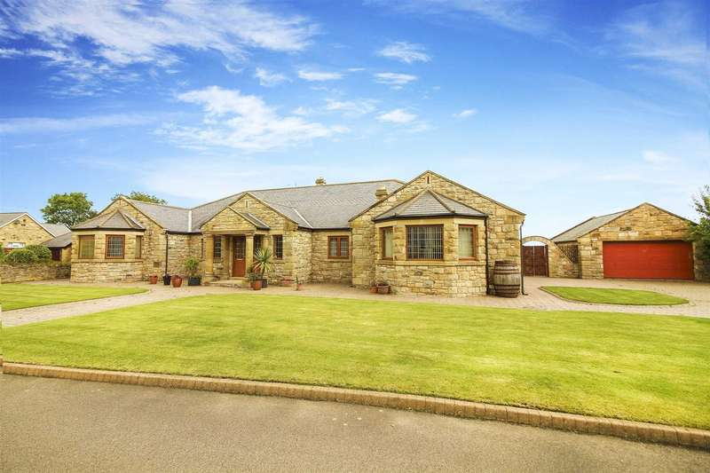 7 Bedrooms Detached Bungalow for sale in The Croft, Alnwick