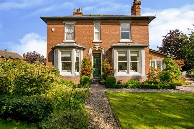 6 Bedrooms Detached House for sale in Cromwell Road, Beeston