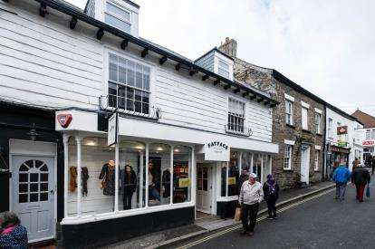 1 Bedroom Flat for sale in Padstow, Cornwall, .