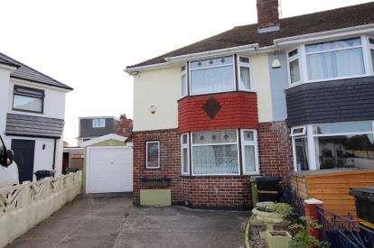3 Bedrooms End Of Terrace House for sale in Headley Walk, Headley Park, Bristol