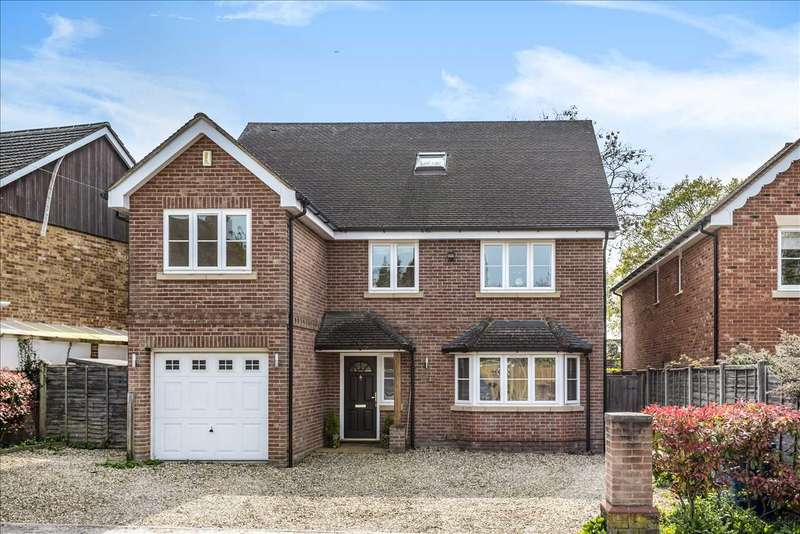 5 Bedrooms Detached House for sale in Albert Road, Crowthorne