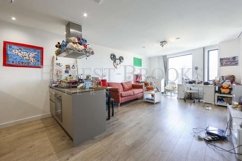 1 Bedroom Apartment Flat for sale in Roosevelt Tower, Williamsburg Plaza, Canary Wharf, E14