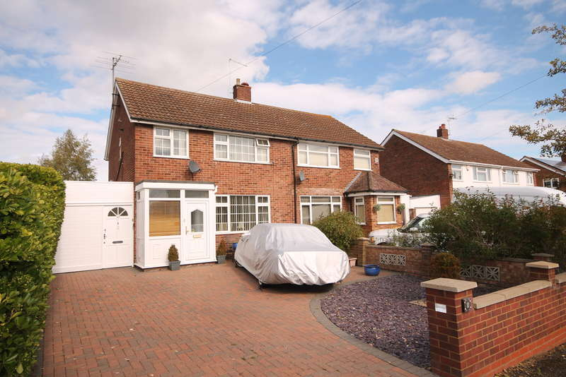 3 Bedrooms Semi Detached House for sale in The Buntings, Brickhill, MK41