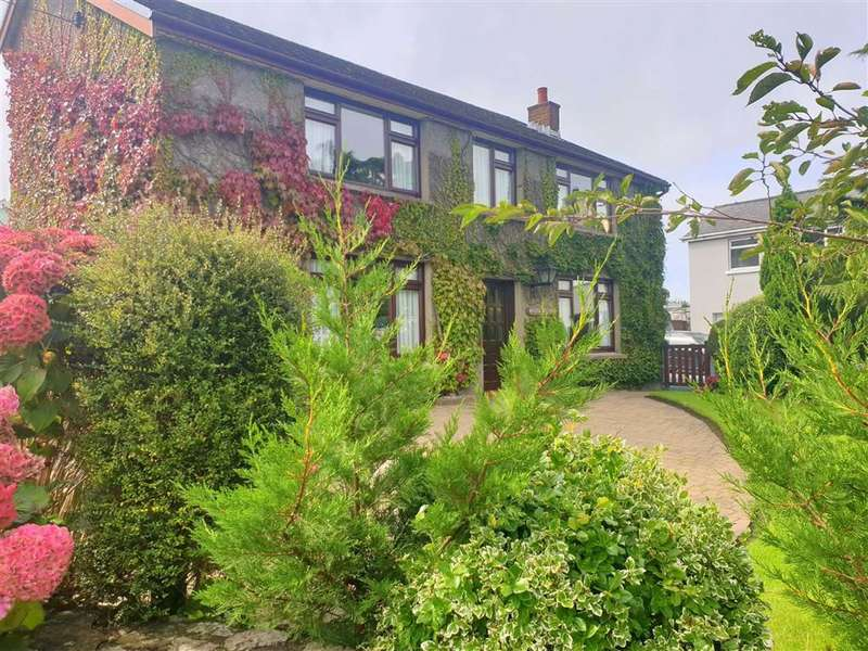 5 Bedrooms Detached House for sale in Whitland, Pembrokeshire