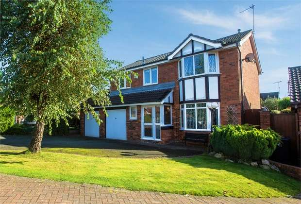 4 Bedrooms Detached House for sale in Porthcawl Close, Widnes, Cheshire