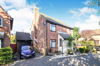 4 Bedrooms Detached House for sale in Burnham-On-Crouch, Essex, .