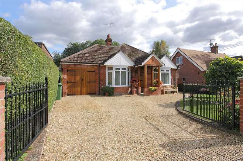 3 Bedrooms Bungalow for sale in Winchester Road, Whitchurch