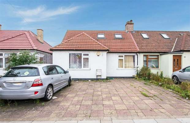 4 Bedrooms Semi Detached Bungalow for sale in Bengarth Road, Northolt, Greater London