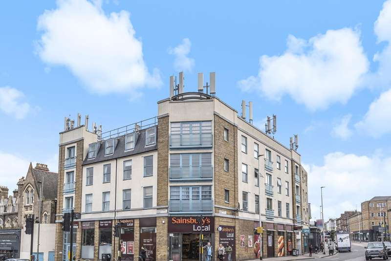 2 Bedrooms Flat for sale in Queenstown Road, London, SW8