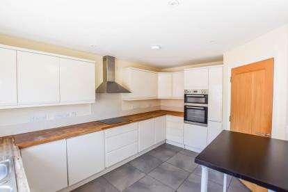 5 Bedrooms Semi Detached House for sale in Saffron Walden