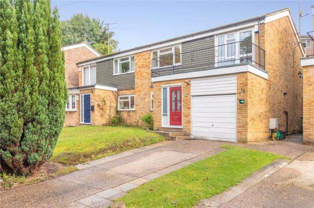 4 Bedrooms Semi Detached House for sale in Western Dene, Hazlemere, High Wycombe