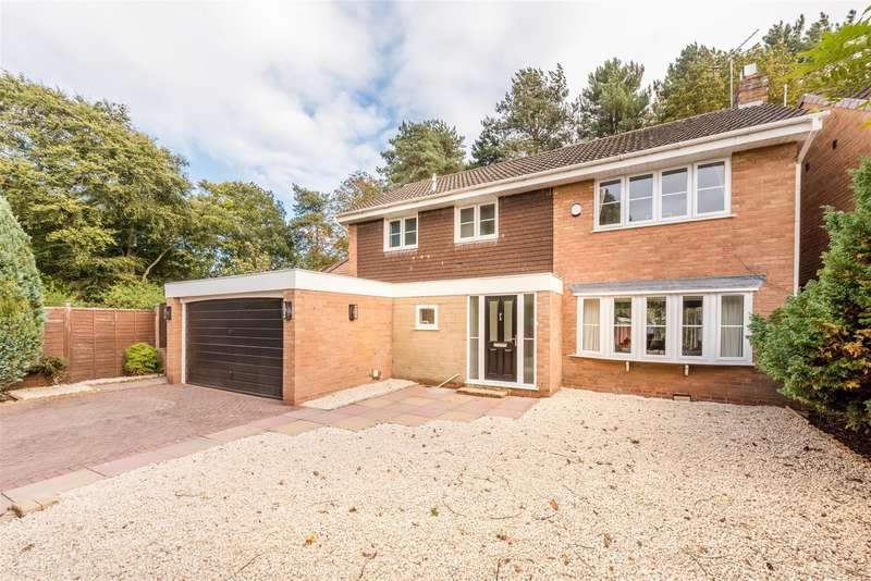 4 Bedrooms Detached House for sale in Copper Beech Drive, Wombourne, WV5 0LH
