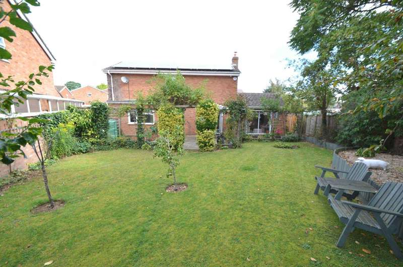 4 Bedrooms Detached House for sale in Pennivale Close, Leighton Buzzard