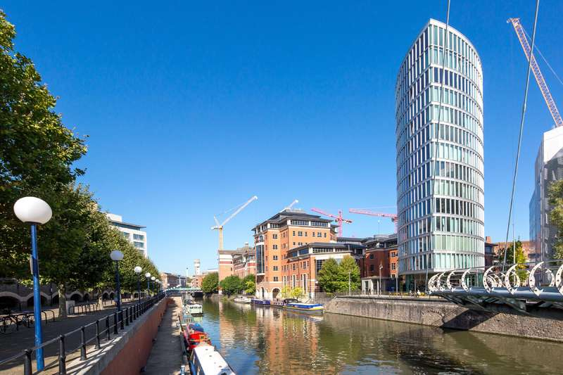 2 Bedrooms Apartment Flat for sale in The Eye, Glass Wharf, Bristol